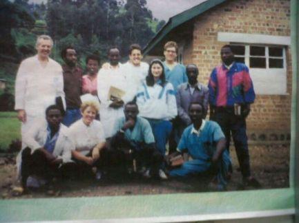Equipo de ADRA-España en Ruanda tras el genocidio. Octubre de 1994.